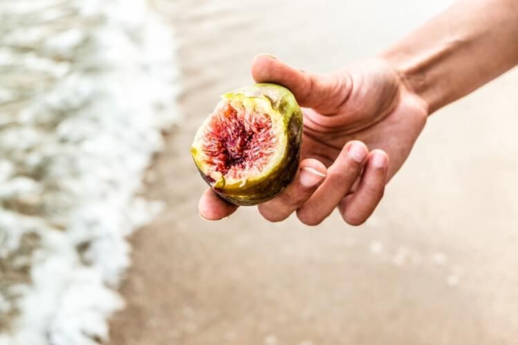【疑問】ダイエット中に果物を食べても良いのか?